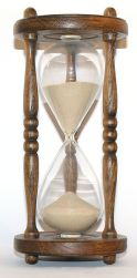 296px-wooden_hourglass_3